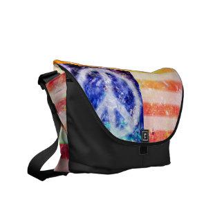 De Buitenissige Vlag van de Vrede van de hippie Messenger Bag