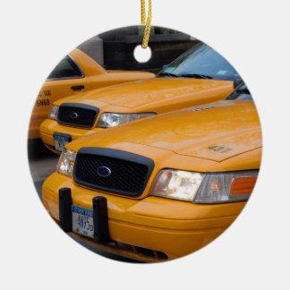 De Cabines van de Taxi van New York Rond Keramisch Ornament