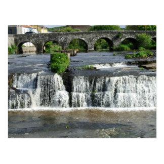De cascades, de Briefkaarten van Clare, Ierland