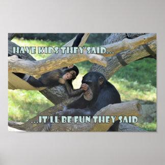 De chimpansees zijn niet zo Verschillend van ons Poster