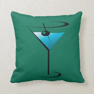 De Cocktail van het Glas van martini werpt het Sierkussen