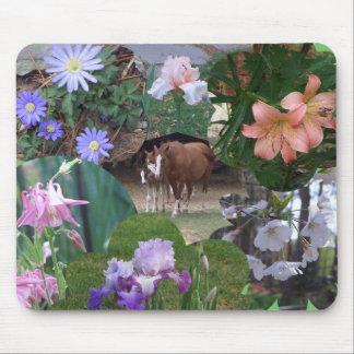 De Collage Mousepad van paarden en van Bloemen Muismat