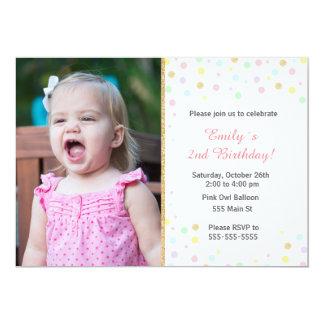 De confettien schitteren roze meisjesuitnodiging kaart