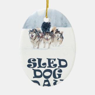 De Dag van de Hond van de slee - de Dag van de Keramisch Ovaal Ornament