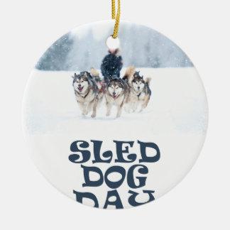 De Dag van de Hond van de slee - de Dag van de Rond Keramisch Ornament