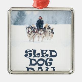 De Dag van de Hond van de slee - de Dag van de Zilverkleurig Vierkant Ornament