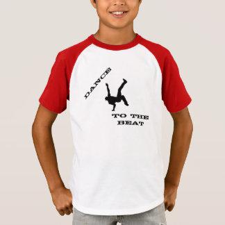 De Dans van het kind aan Sloeg Gestreepte v-Hals T Shirt