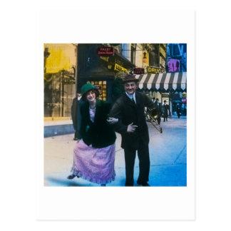 De dans van het man en van de vrouw op straat 1900 briefkaart