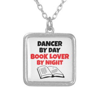 De Danser van de Minnaar van het boek Zilver Vergulden Ketting