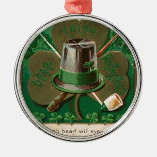 De de dagklaver van Patrick van VintageSaint erin Zilverkleurig Rond Ornament