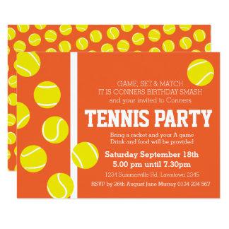 De de verjaardagspartij van het tennis nodigt rood kaart