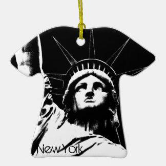 De Decoratie van de Herinnering van New York van Keramisch T-Shirt Ornament