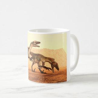 De Dinosaurussen van de roofvogel in de Woestijn Koffiemok