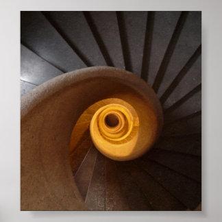 De donkere Spiraalvormige Foto van Treden Poster