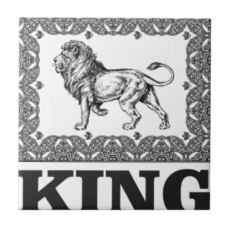 de doos van de koningsleeuw tegeltje