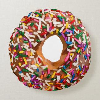 De doughnut met bestrooit rond kussen