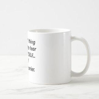 De Drager van de Post van de vrees Koffiemok
