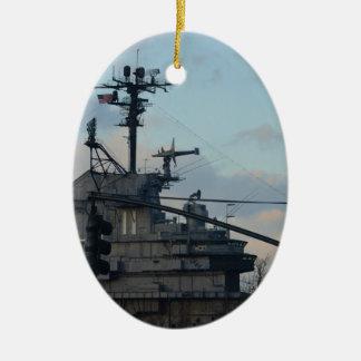 De Drager van het vliegtuig in New York Keramisch Ovaal Ornament