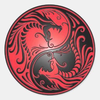 De Draken, het rood en de zwarte van Yang van Yin Ronde Sticker