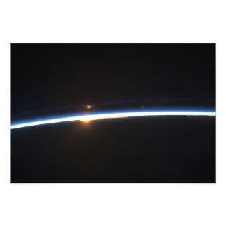 De dunne lijn van de atmosfeer van de Aarde Foto