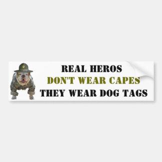 De echte Labels van de Hond van de Slijtage van He Bumpersticker
