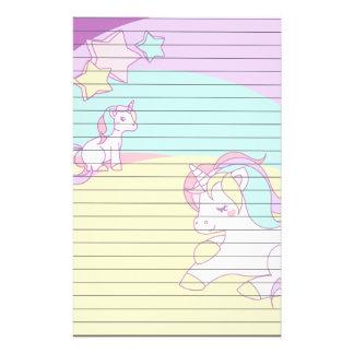 De Eenhoorns van de pastelkleur in Gele Paarse Persoonlijk Briefpapier