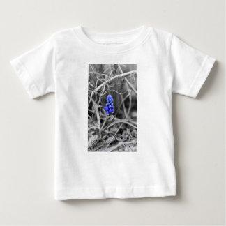 De eenzame Uitgezochte Kleur van de Hyacint van de Baby T Shirts
