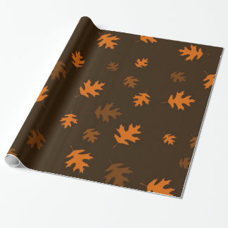 De Eiken Bladeren van de oranje Herfst tegen Cadeaupapier