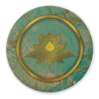 De elegante Gouden bloem van Lotus op marmer Keramische Knop