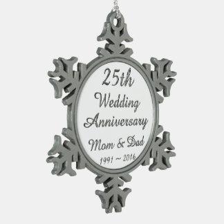 de Elegante Zilveren Typografie van het 25ste Tin Sneeuwvlok Ornament