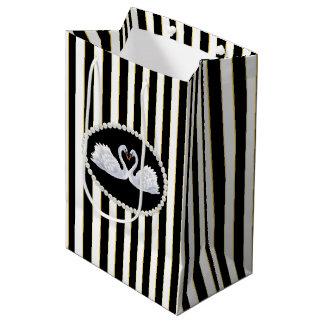 De elegante zwarte Zak van Strepen, van Parels & Medium Cadeauzakje