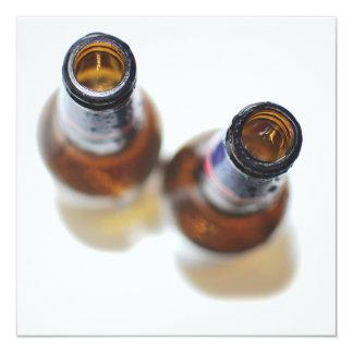 De Flessen van het bier 13,3x13,3 Vierkante Uitnodiging Kaart