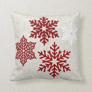 De Fonkelende Rode Sneeuwvlokken van Kerstmis Sierkussen