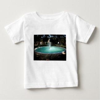 De fontein baby t shirts