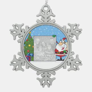 De Foto van de Holding van de kerstman Tin Sneeuwvlok Ornament