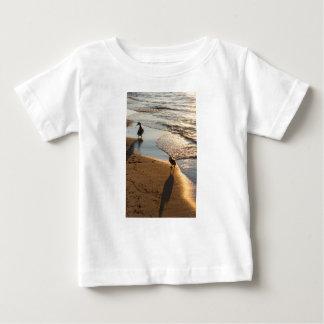 De Gang van de zonsondergang met Mama Baby T Shirts