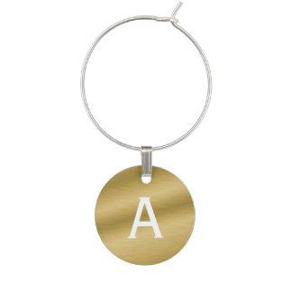 De Geborstelde Gouden Charme met monogram van de Wijnglashanger