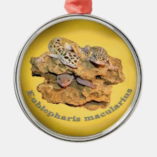De gekkoontwerp van de luipaard voor allen! zilverkleurig rond ornament