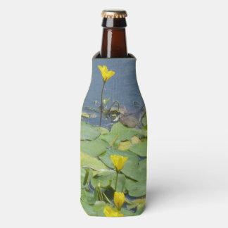 De gele Koeler van de Fles van Waterlelies