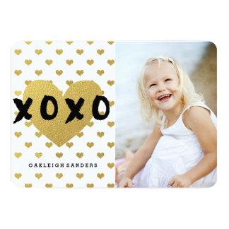 De gelukkige Kaart van de Valentijnsdag met Gouden 12,7x17,8 Uitnodiging Kaart
