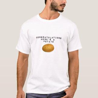 De gelukwensen is hier een Aardappel T Shirt