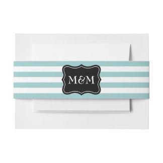 De gepersonaliseerde band van de de envelopbuik uitnodigingen wikkel