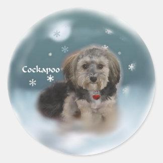 De Giften van Kerstmis van Cockapoo Ronde Sticker