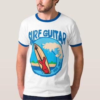 De Gitaar van de branding: Rode Gitaar op T Shirt