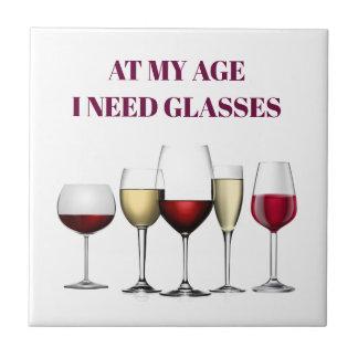 De glazenuitdrukking van de wijn tegeltje