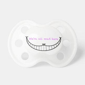 De Glimlach van de Kat van Cheshire Speentje