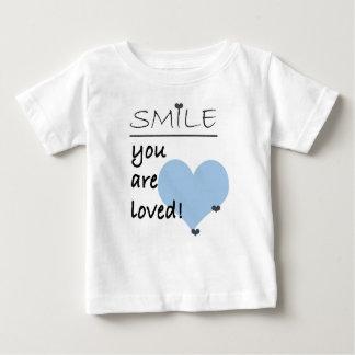 De glimlach wordt u gehouden van baby t shirts
