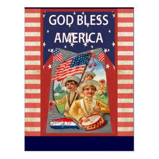 De god zegent Amerika met patriottische kinderen Briefkaart