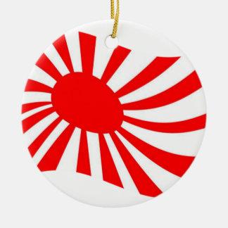 De golvende Japanse het Toenemen Vlag van de Zon Rond Keramisch Ornament