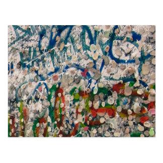 De Gom en Graffiti van de Muur van Berlijn Briefkaart